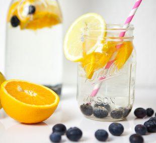 5 Tipps, um mehr Wasser zu trinken