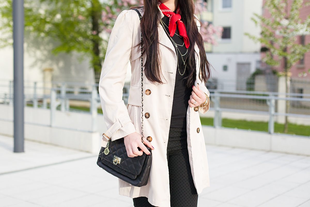 Bild Outfit, Trenchcoat, All Black, Fashion, ootd, Style, Fashionblog, Hannover