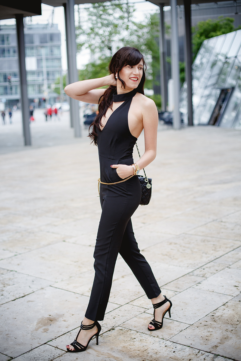 Bild Outfit mit Jumpsuit, Schwarzer Jumpsuit, High Heels, DKNY, Look, Style, Fashionblog, Modeblog,, Shades of Ivory, Hannover
