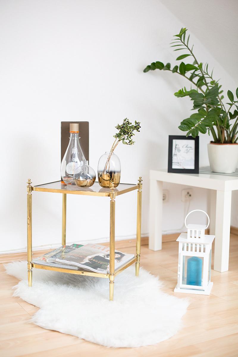 Bild: Interieur, Living Room, Wohnzimmer, Interor, Shades of Ivory, Blo, Westwingnow, Wohnstil, Beistelltisch, Gold