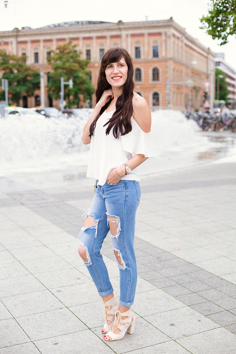 Bild, Outfit, Urban Jungle, Großstadtdschungel, ASOS, Off Shoulder, Ripped Jeans, Style, Fashionblog, ootd, Style, Michael Kors Uhr, Blogger, Boyfriend Jeans, Shades of Ivory, Hannover