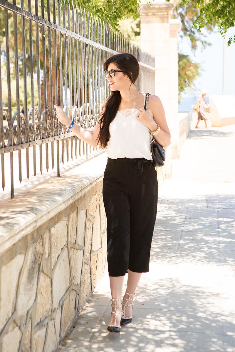 minimalist style schwarze culotte und wei es camisole shades of ivory. Black Bedroom Furniture Sets. Home Design Ideas