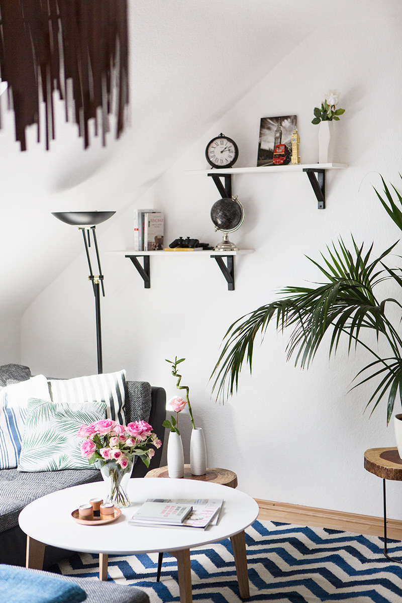 Bild: Interior, Home, Wohnzimmer, Blogger, Einrichtung, Inneneinrichtung, Rosen, Couchtisch, Massiivholz, Inspiration, Deko, Chevron, Blogger, Inspiration