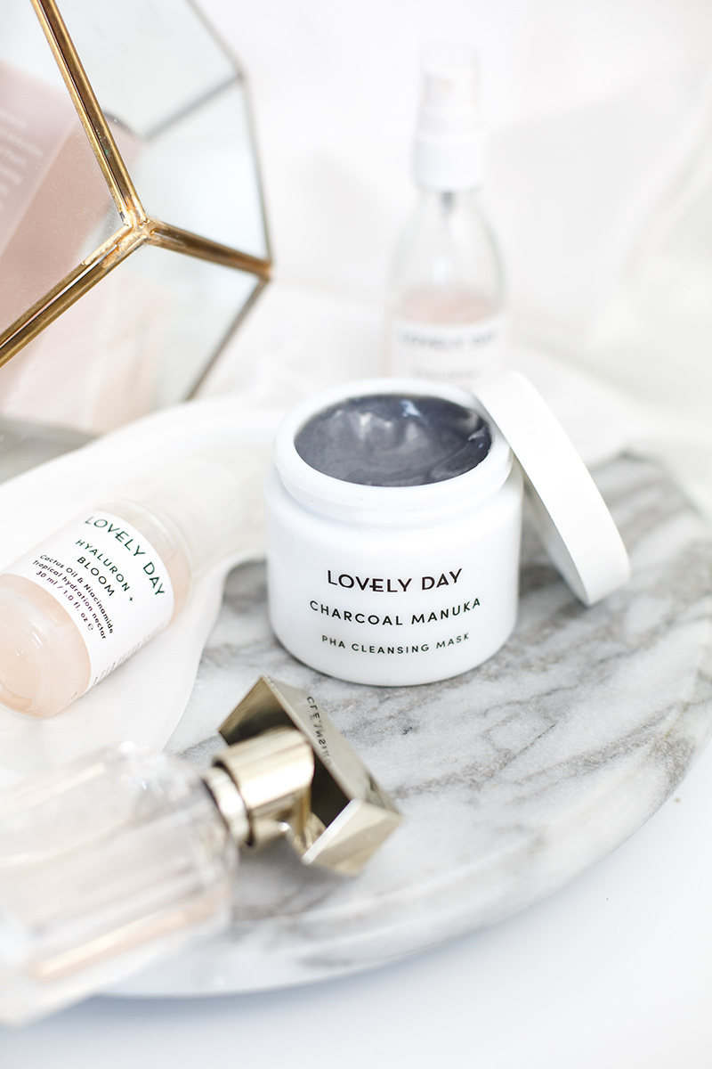 Bild: Lovely Day Botanicals, Naturkosmetik, Beauty, Beautyblog, HYALURON + BLOOM Face Toner, CHARCOAL MANUKA PHA Cleansing Mask , HYALURON + BLOOM Tropical Hydration Nectar, Review, Erfahrung, Lovely Day, Organic, Green Beauty