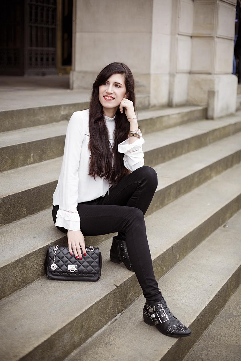Bild: Outfit,&other Stories, Levi's, Style, Look, Trompetenärmel, Statementärmel, Modetrends, Gucci Gürtel, Hannover