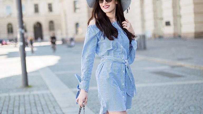 Outfit mit Blusenkleid, Knotendetails & Sailor Wedges