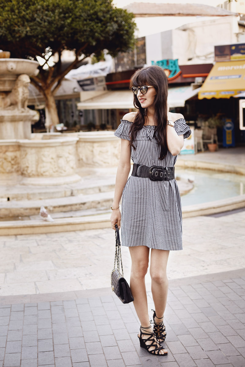 Bild: Vichy Karo, Gingham, Kleid, Karo, Outfit, Look, Fashion, Blogger,Morosini Brunnen, Shades of Ivory, Blogger Berlin,