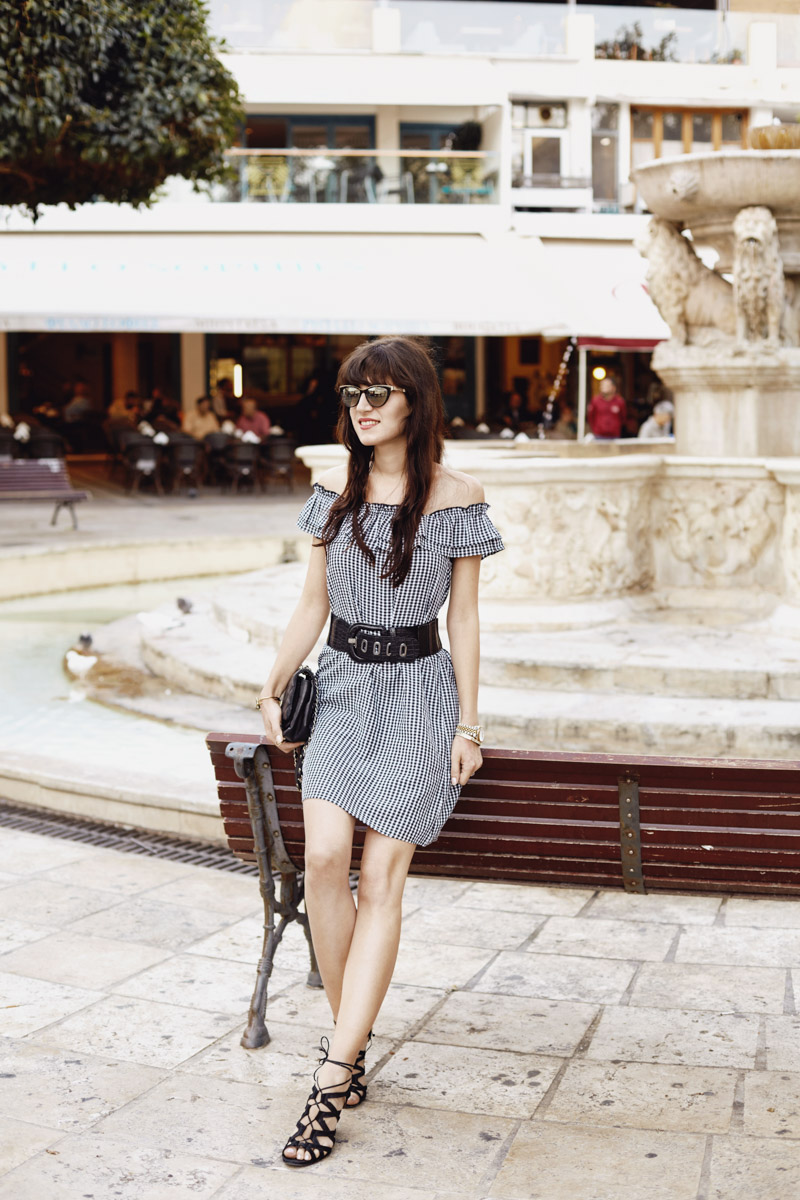 Bild: Vichy Karo, Gingham, Kleid, Karo, Outfit, Look, Fashion, Blogger, Morosini Brunnen, Shades of Ivory, Blogger Berlin,