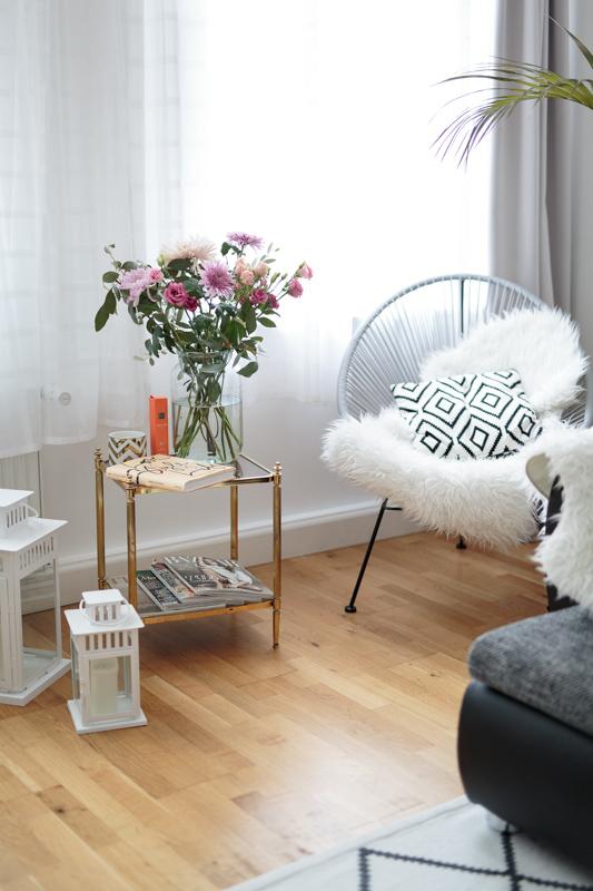 Bild: Interior, Living Room, Wohnzimmer, Grace Flowerbox, Infinity Rosen, Flowerbox, Wohnen, Home, Interieur, Blogger, Blogger Berlin,