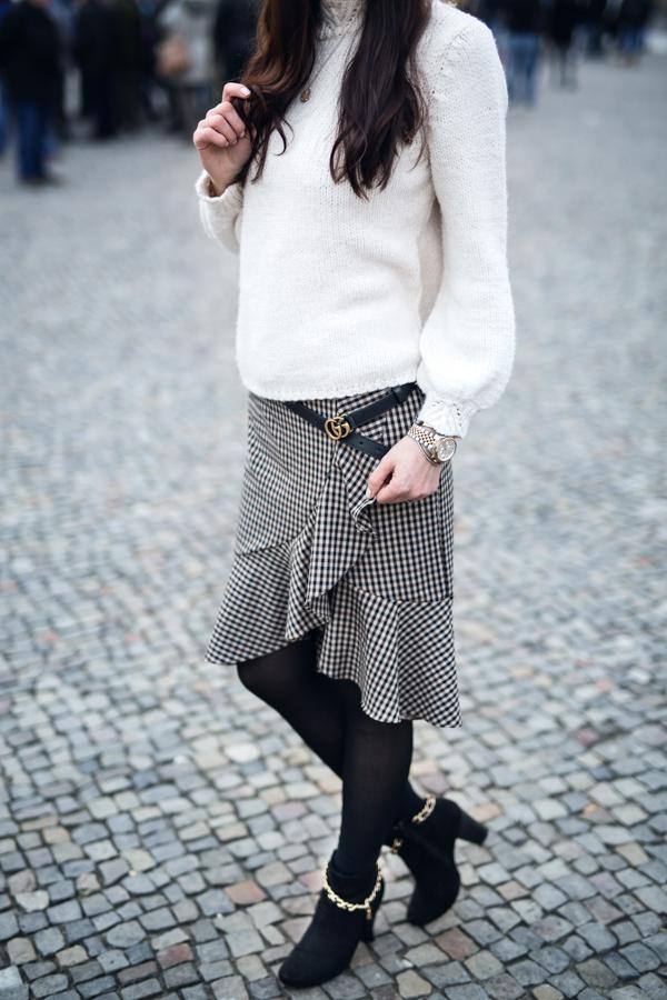 Bild: Outfit, ootd, Fashion, Fashionblhgger, Berlin, Blogger, Style, Glenechek, Karo, Baker Boy, Mango, Volants, Herbst, Winter, Shades of Ivory