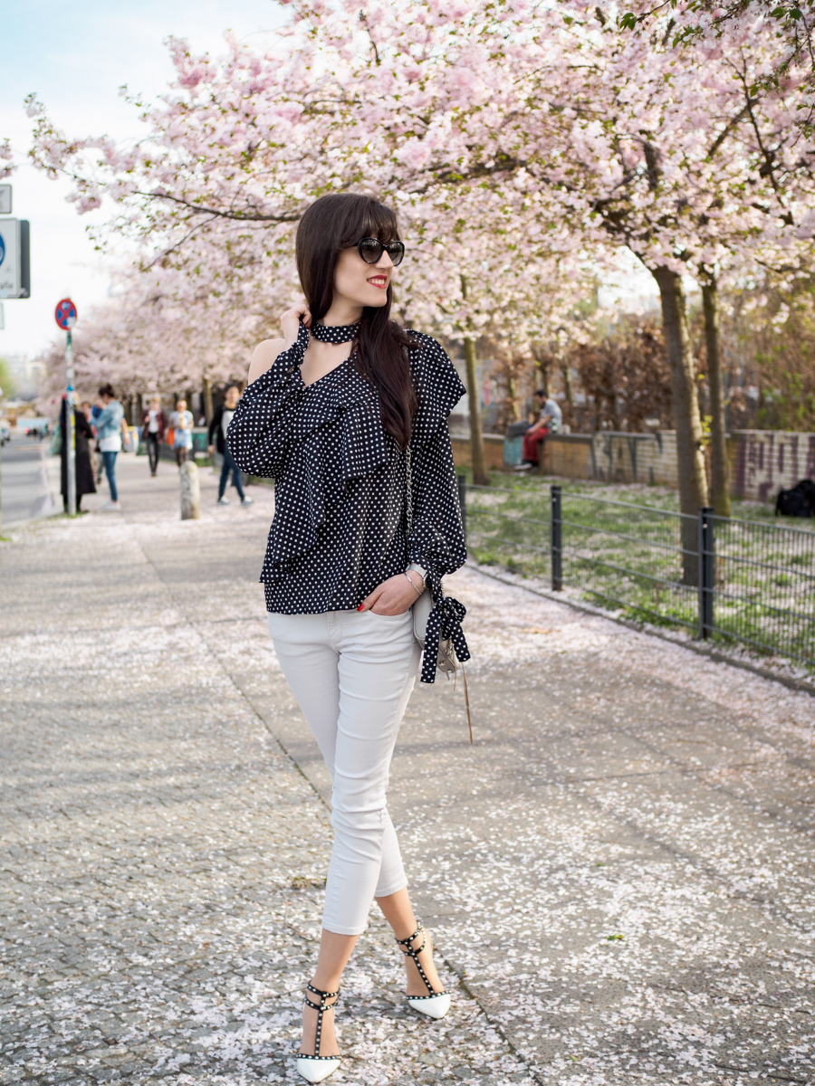 Bild: Outfit, Berlin, Outfits, Prenzlauer Berg, Polka Dots, Rosa, Cherryblossom, Blogger Look, Asos, Zara, Look, Fashion, Fashionblogger, Blogger, Berlin Blogger, Shades of Ivory