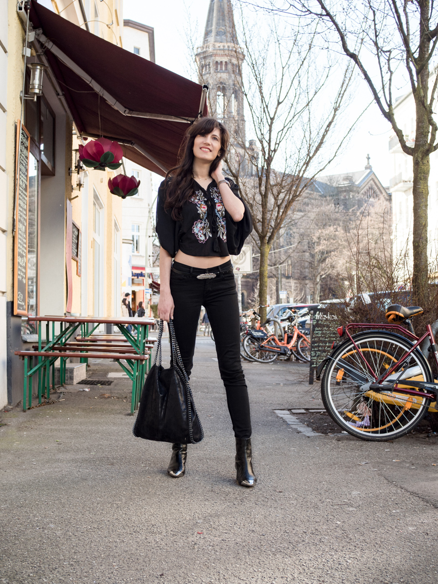 Bild: Outfit, Outfits, Berlin, Prenzlauer Berg, Polka Dots, Rosa, Cherryblossom, Blogger Look, Mango, Streetstyle, Flowerpower, Boho, Bohovibes, Festivallook, Look, Fashion, Fashionblogger, Blogger, Berlin Blogger, Shades of Ivory