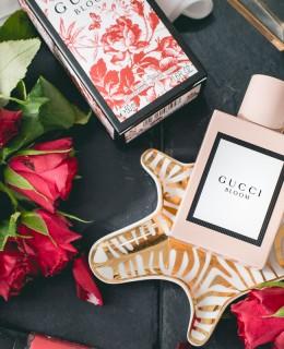 Bild: Gucci, Bloom, Parfum, Review, Beauty, Blogger, Bewertung, Tuberrose, Jasmin, ALESSANDRO MICHELE, Blog, Beautyblog, Shades of Ivory, Berlin, Blogger Berlin, Haltbarkeit, Parfum, wie ein Parfum länger hält