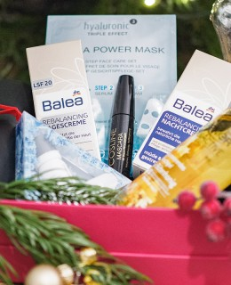 Bild: Verlosung, Christmas, Weihnachten, Geschenke, Pink Box, Dermalogica, Beautybox, Blogger, Fashionblogger, Beautyblog, Berlin, Shades of Ivory