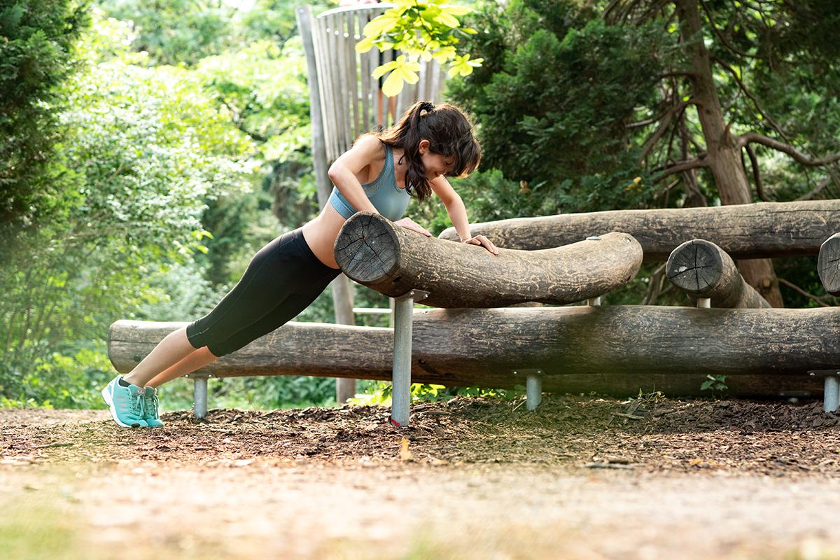 Bild: Sport, Fitness, Übungen, Workout, Bodyweight, Liegestütz