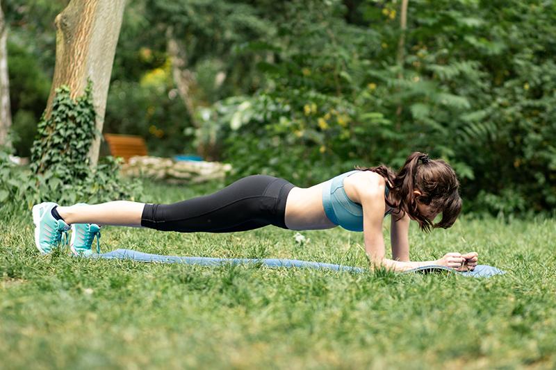 Bild: Sport, Fitness, Übungen, Workout, Bodyweight, Blogger, Berlin, Berlin Blogger, Unterarmstütz,