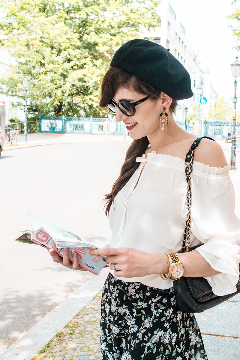 Bild: Outfit, Paris, Streetstyle, Parisienne, Parisian Chic, Off Shoulder, Baskenmütze, Style, Ootd, Blogger, Fashionblogger, Berlin, Shades of Ivory, Bloggerstyle,