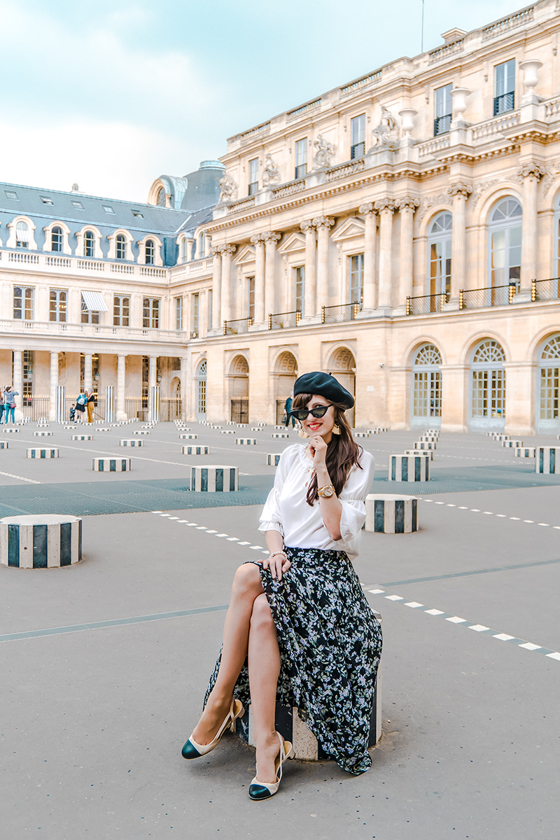 Bild: Outfit, Paris, Streetstyle, Parisienne, Parisian Chic, Off Shoulder, Baskenmütze, Style, Ootd, Blogger, Fashionblogger, Berlin, Shades of Ivory, Bloggerstyle, Palais Royal